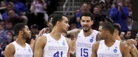 PHOTO COURTESY OF JONATHAN KRUEGGER, KENTUCKY KERNEL Willie Cauley-Stein of the Kentucky Wildcats gathers the team in Cleaveland, OH Mar. 28.