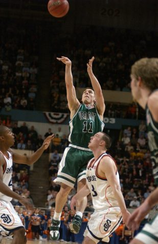From the parking lot: A history of the 2005 UVM-Syracuse game