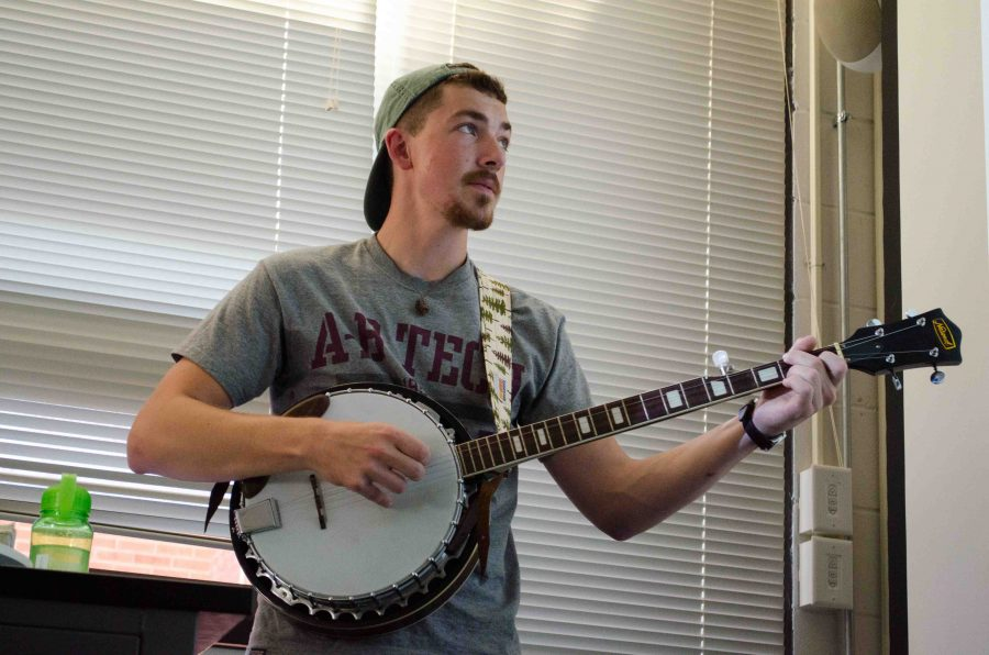 UVM club gets folked up every Friday