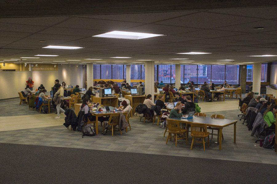 Students+study+in+the+Bailey%2FHowe+Library+ahead+of+midterms.+SGA+has+pushed+back+against+the+Faculty+Senate+to+reinstate+reading+days+during+the+finals+schedule.%0A