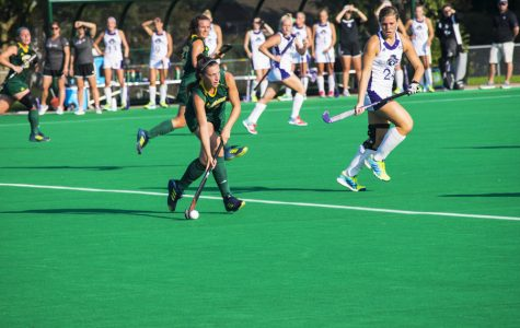 Field hockey falls 1-0 against Holy Cross team