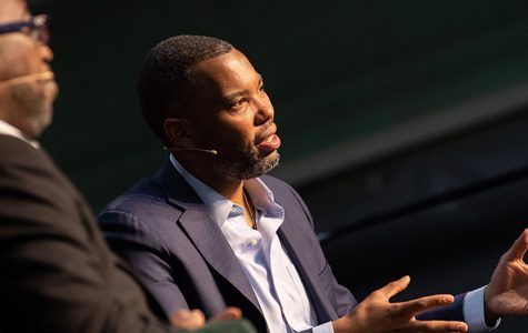 Crowds fill the gym to hear Ta-Nehisi Coates