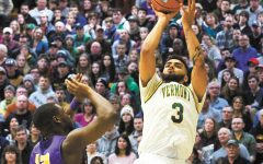 Men's basketball claims their second consecutive playoff win