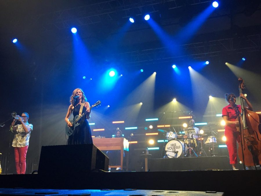 Review: Lake Street Dive shines at sold-out show