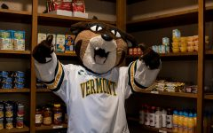Student food pantry opens its doors to all UVM students