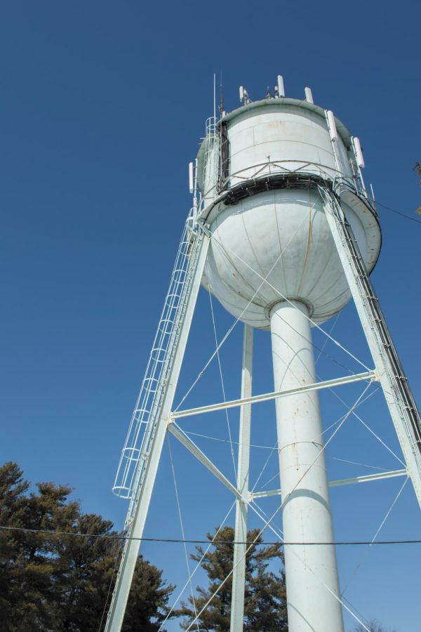 The+watertower+on+Redstone+campus+sits+on+land+owned+by+the+city+of+Burlington%2C+Feb.+22.+The+tower+doubles+as+an+AT%26T+cell+tower.++%0A