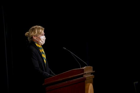 Dr. Deborah Birx, the response coordinator of the White House Coronavirus Task Force, addresses gathered media in the Grand Maple Ball Room at UVM Oct. 10. Birx praised the University and Vermont