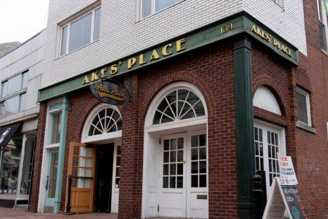 Gov. Scott reopens bars despite concern from Burlington and UVM officials